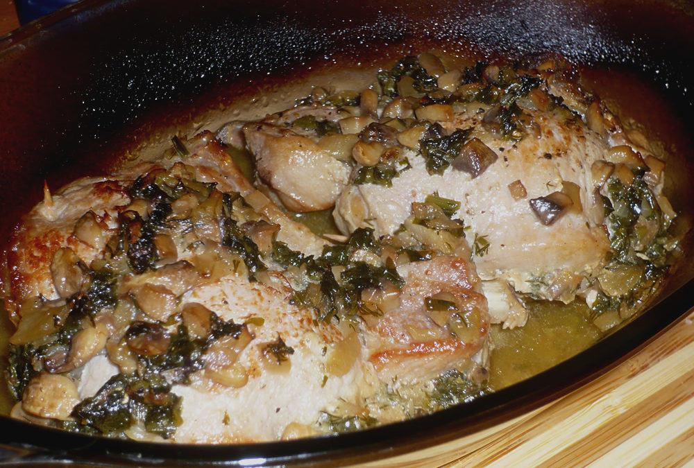 Cotlete de porc cu umplutura de ciuperci si ceapa