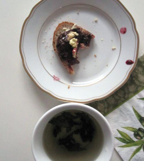 magiun de prune gustos, pe paine