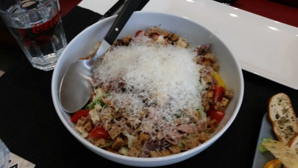 Salata cu piept de rata - Zodiac Cafe Auchan Drumul Taberei